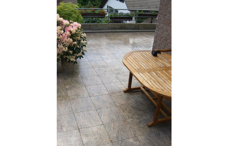 Terrassenplatten aus Naturstein Lagerware bei Wieland
